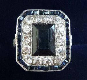Stunning art deco platinum 0.70ct diamond and 2.25ct sapphire cluster vintage antique ring